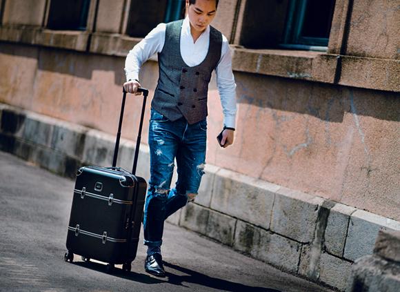 Brics Bellagio Spinner Trunk dot wiastcoat jeans monk shoes men fashion (6)